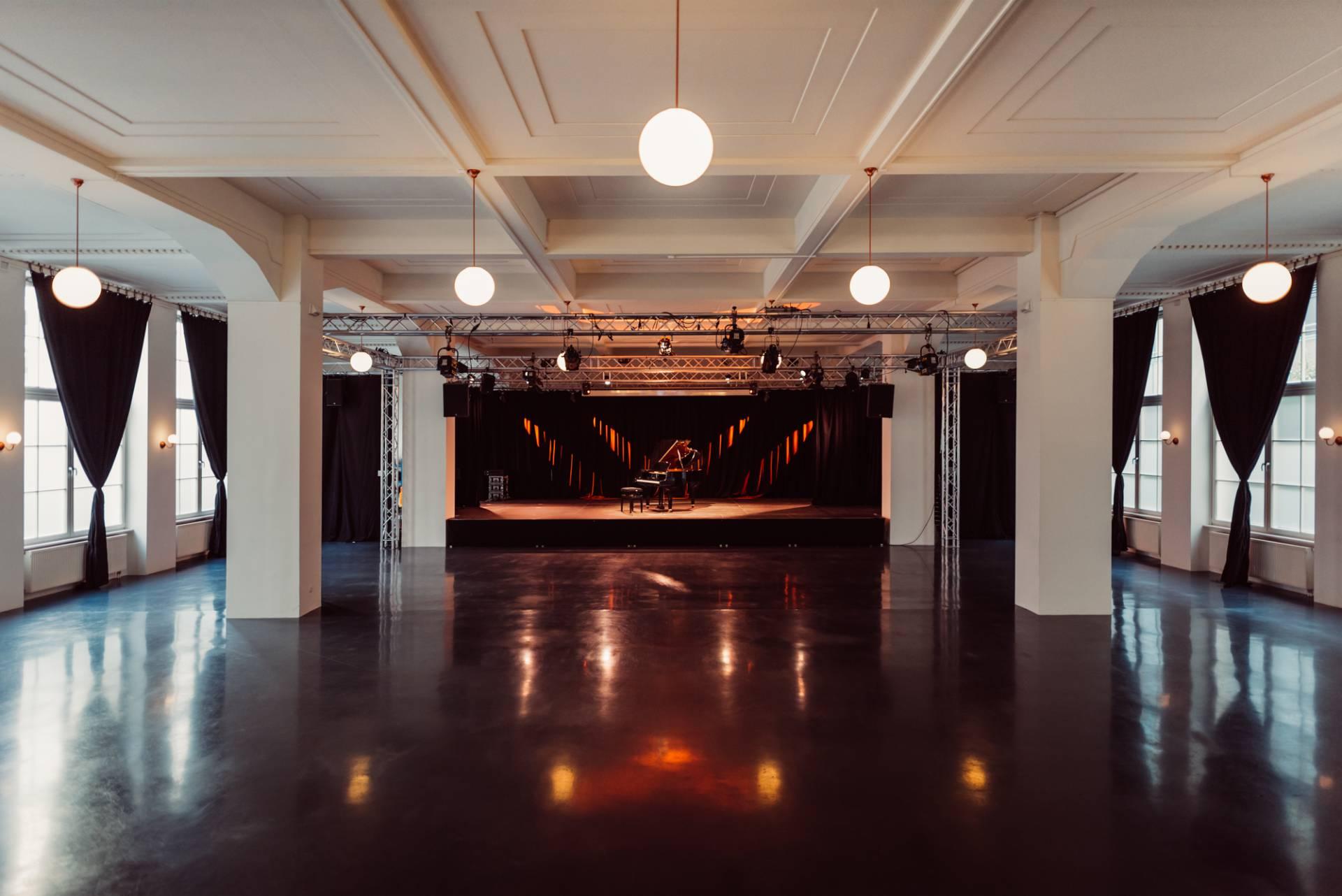 Der große Saal ohne Bestuhlung